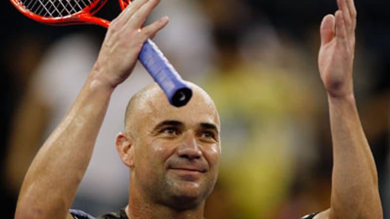 Tennis: Agassi révèle qu'il retournait les services de Becker en fonction de ses mouvements de langue