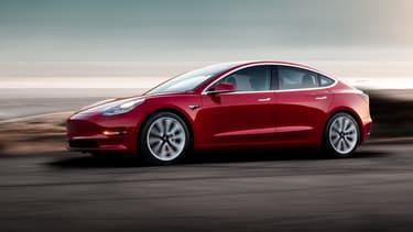 La Model 3 verrait son bonus divisé par deux pour les versions les moins onéreuses.