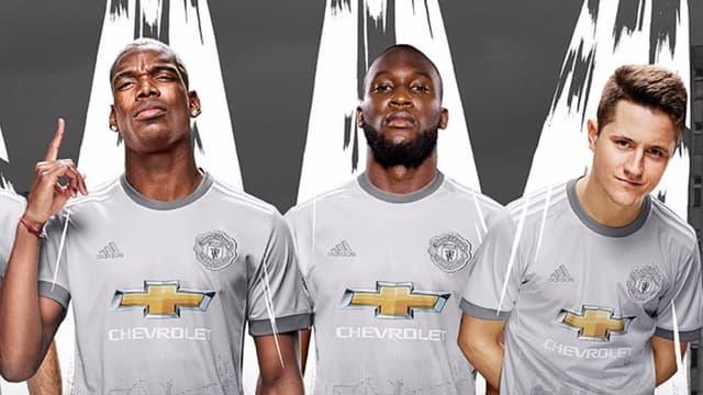 Pogba, Lukaku et Herrera avec leur nouveau maillot, qu'ils apprécient déjà