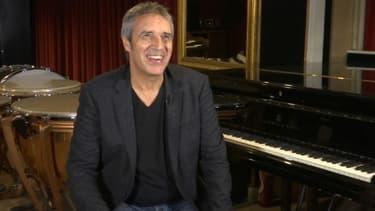 Pour ses cinquante ans de carrière, Julien Clerc sortira un nouvel album avant de partir en tournée dans toute la France.