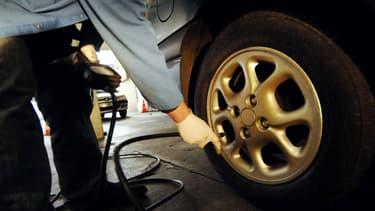 De nombreux automobilistes se ruent dans les centres de contrôle technique avant le changement de réglementation le 20 mai.