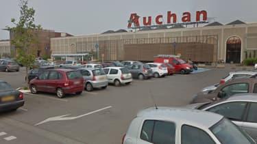 C'est sur ce parking d'un supermarché que s'est terminée la folle course-poursuite.