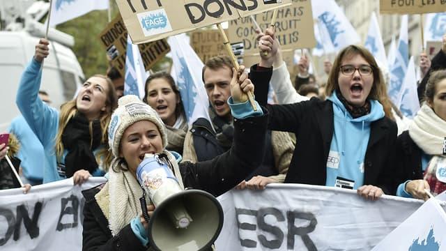Manifestation étudiante contre l'austérité à Paris, en octobre 2015.