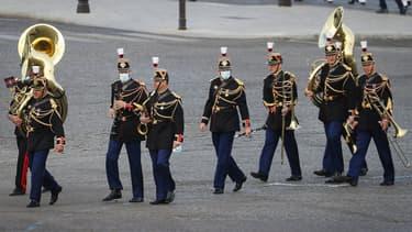 Des membres de l'orchestre de la Garde républicaine sur la place de la Concorde, où sont organisées les cérémonies de la Fête nationale, le 14 juillet 2020.