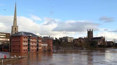 Des inondatins à Worcester dans le centre de l'Angleterre, le 13 février 2014.