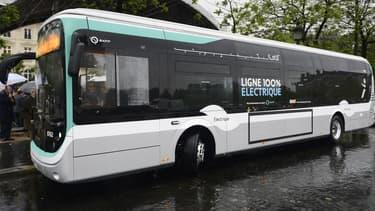 Les nouveaux bus commandés s'ajoutent aux 74 bus électriques de la RATP, dont 43 Bluebus de Blue Solutions.
