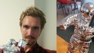 Jesse Helt et Moonman, le trophée de Miley Cyrus.