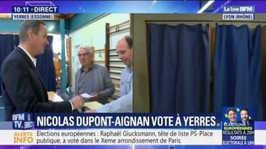 Européennes: Nicolas Dupont-Aignan a voté à Yerres