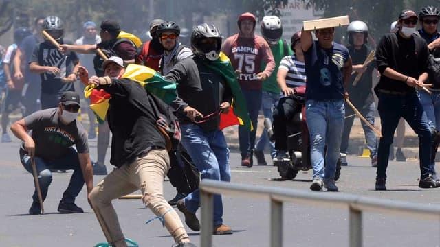 Des affrontements entre civils à Cochabamba