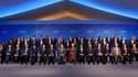 Photo de famille des ministres des Finances et gouverneurs de banques centrales ayant participé à la réunion du G20 à Paris. Les pays du G20 sont parvenus à un accord sur des indicateurs macroéconomiques visant à évaluer les politiques économiques, a anno