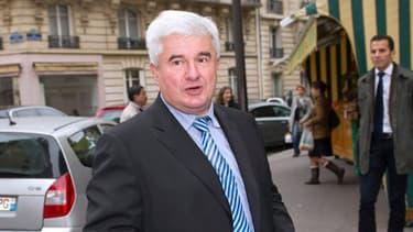 Eric Raoult, maire du Raincy en Seine-Saint-Denis, a-t-il harcelé son ex-collaboratrice?