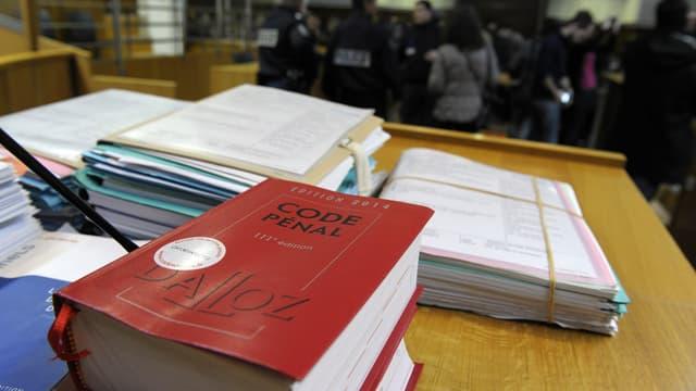Un exemplaire du Code pénal au tribunal de Nîmes, le 16 décembre 2013. (Photo d'illustration)