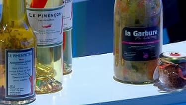 Le piment d'Anglet, décliné en différents produits: chutney, gelée et une boisson alcoolisée, le Pimençon.