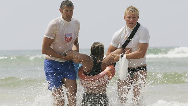 Les CRS chargés de surveiller les plages n'auront peut-être plus pour mission de sauver les baigneurs de la noyade.