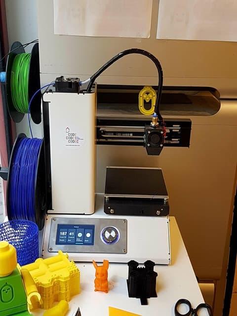 L'imprimante 3D mise à disposition des élèves.