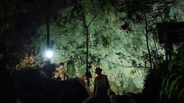 L'entrée de la grotte de Thom Luang