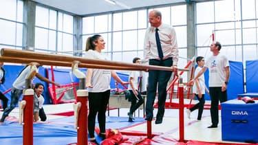JO de Tokyo: Quand le ministre Blanquer teste les exercices des sportifs à l'Insep