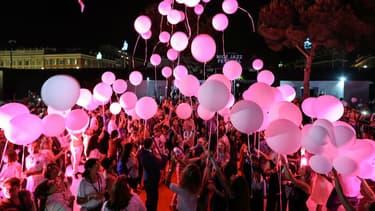 Un lâcher de ballons a eu lieu à Nice pour rendre hommage aux victimes de l'attentat du 14-Juillet.