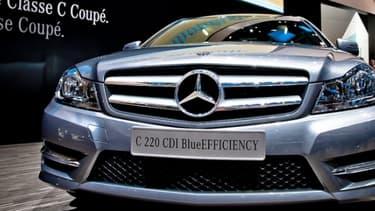 Les grandes entreprises allemandes, ici Mercedes, voient leur compétitivité s'affaiblir face à leurs concurrentes japonaises.