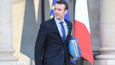 """Emmanuel Macron ne souhaite lui-même pas disposer d'un """"grand Bercy"""""""