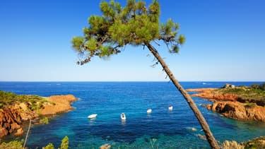 Crique dans le massif de l'Esterel, sur la Côte d'Azur