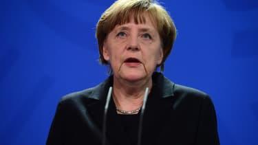 Angela Merkel est toujours au plus haut dans les sondages en Allemagne.