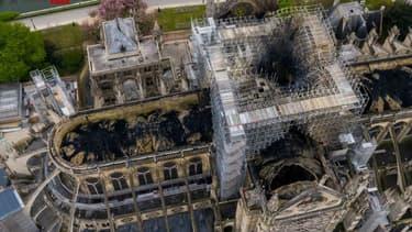 La cathédrale Notre-Dame de Paris vue du ciel, prise par un drone russe.