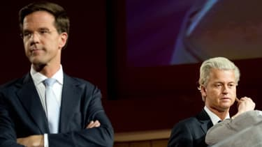 Le chef de file des libéraux Mark Rutte, au premier plan, a dû composer avec l'eurosepticisme des extrêmes dont le parti de Geert Wilders (à droite).