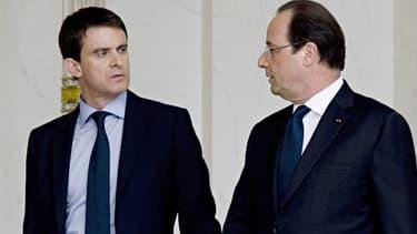 Manuel Valls et François Hollande à la sortie de l'Elysée, le 4 avril 2014.