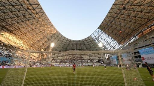 Le stade vélodrome fait peau neuve avant l'Euro 2016.