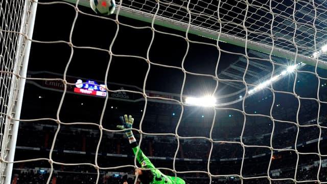Diego Lopez battu par Messi