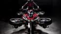 Cette moto créée par le Français Lazareth est la première du monde à pouvoir circuler sur route et s'envoler quand le pilote le décide
