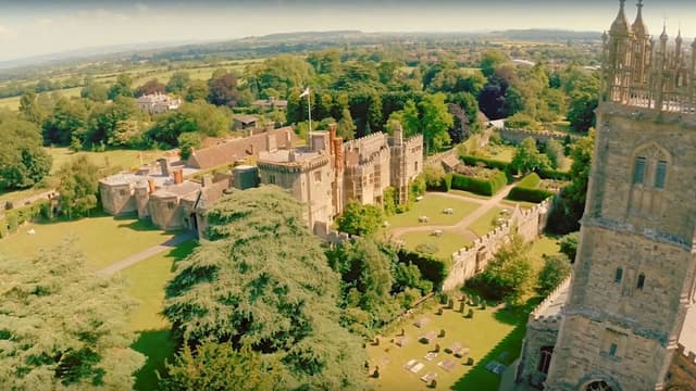 Le château appartenait à l'origine à Edward Stafford.