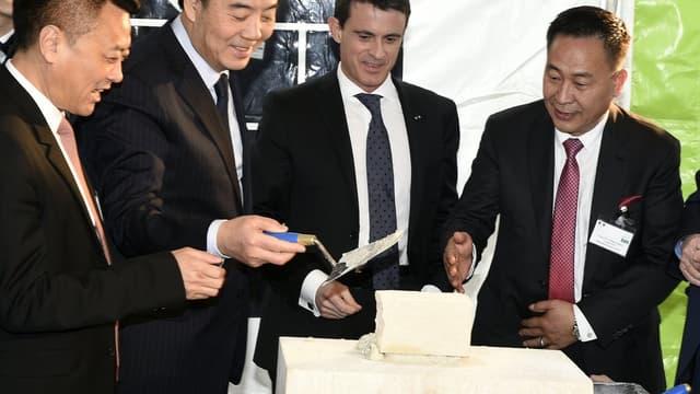 Inesa a bénéficié du soutien du gouvernement français, dont le chef, Manuel Valls, avait signé en Chine l'accord pour l'installation de l'usine chinoise dans la Meuse, le 29 janvier 2015.
