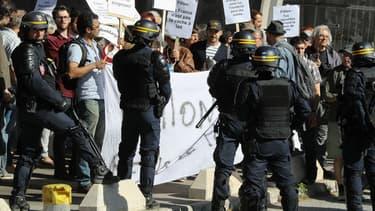 Sécurité renforcée lors du déplacement de François Fillon à Nice le 17 avril 2017.