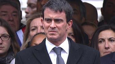 Le Premier ministre Manuel Valls pendant la cérémonie d'hommage aux trois policiers morts dans les attentats, mardi 13 janvier.