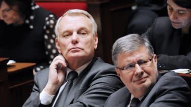 Le Premier ministre, Jean-Marc Ayrault, et le ministre des Relations avec le Parlement, Alain Vidalies, le 9 avril 2013.