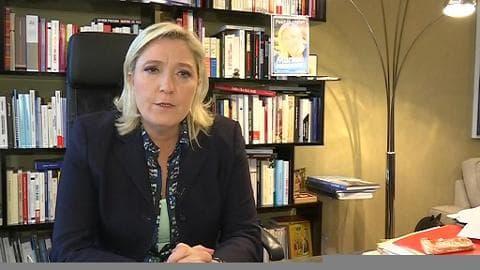 """Perquisition chez Jean-Marie Le Pen:  sa fille pense qu'il n'y a pas de """"hasard"""""""