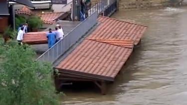 Situation inquiétante à Pragues où le niveau de l'eau ne se stabilise pas