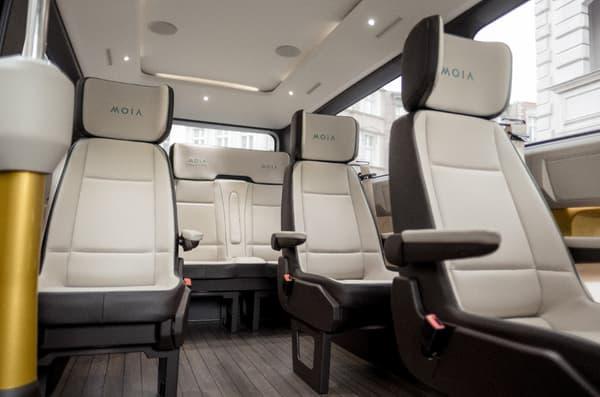 Les passagers bénéficient de six fauteuils individuels