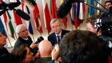 Le Premier minsitre luxembourgeois et président de l'Eurogroupe Jean-Claude Juncker. Les chefs d'Etat et de gouvernement de la zone euro ont envoyé dans la nuit de vendredi à samedi un signal sans équivoque aux marchés financiers afin d'endiguer la contag