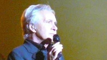Le chanteur Michel Sardou se verrait bien quitter la France s'il avait 25 ans