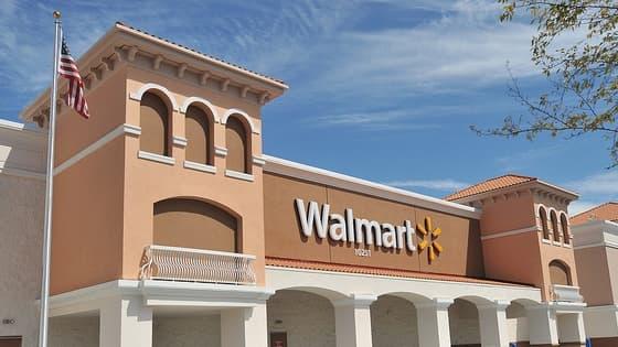 La chaîne américaine Walmart, pour laquelle travaillait l'usine incendiée au Bangladesh, va lancer une enquête, seule.