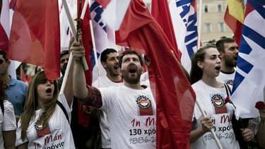 Manifestation dans les rues d'Athènes le 8 mai.