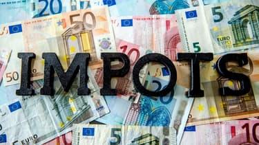 Avant de disposer de 100 euros à dépenser à sa guise, le salarié moyen doit verser à 131 euros de cotisations et d'impôts en France