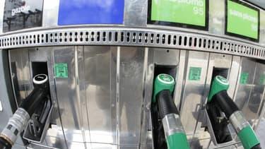 Le gouvernement pourrait augmenter de 4 centimes d'euro par litre le prix du gazole.