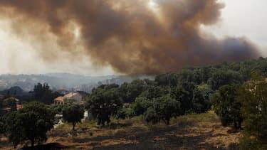 L'homme est soupçonné d'avoir allumé cinq incendies.