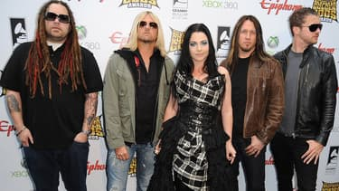 Le groupe Evanescence en avril 2012