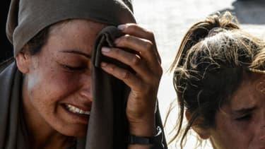 Des victimes civiles syriennes, effondrées à Kobané en 2015 (Photo d'illustration)