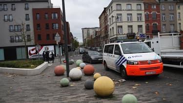 Deux nouvelles perquisitions ont été menées à Molenbeek-Saint-Jean en Belgique suite aux attentats du 13 novembre à Paris - Jeudi 21 janvier 2016